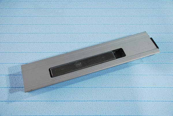 Стойка бортовая алюминиевая L400 правая