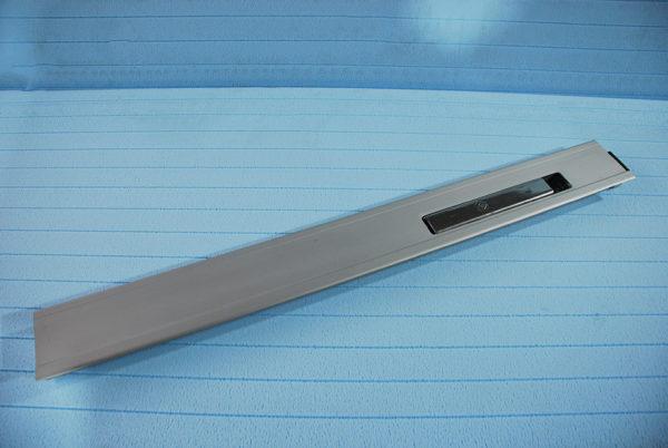 Стойка бортовая алюминиевая L800 правая