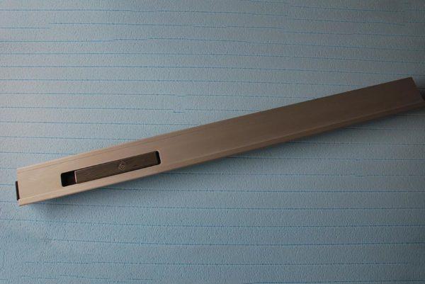 Стойка бортовая алюминиевая L1000 левая